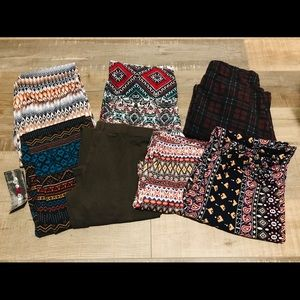 7 pairs of leggings - one size fits all